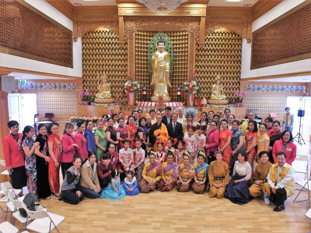 Group picture for the Bathing Buddha Carnival at IBPS Sweden in 2019